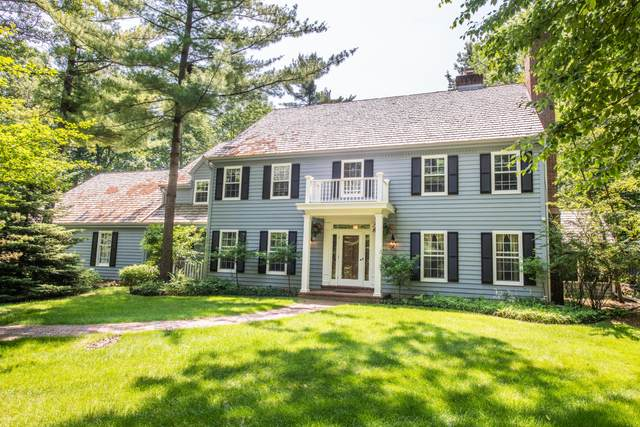 9900 N Corey Ln, Mequon, WI 53092 (#1686808) :: OneTrust Real Estate