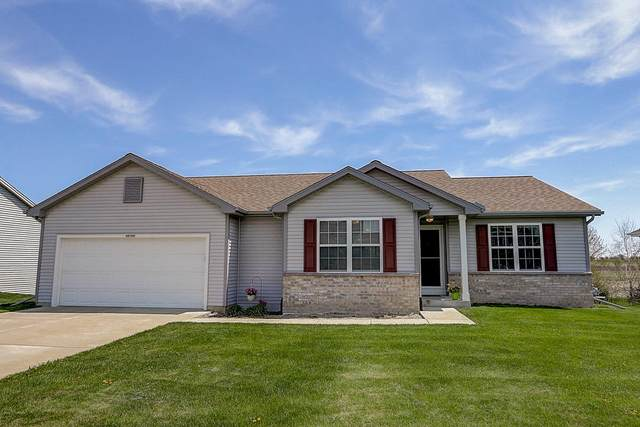 N8192 Woody Ln, Ixonia, WI 53036 (#1688106) :: RE/MAX Service First Service First Pros