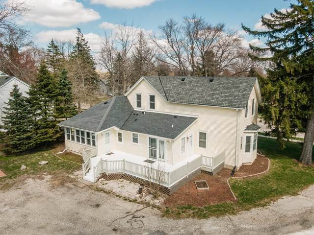 W282N6911 N Main St, Merton, WI 53056 (#1688536) :: RE/MAX Service First Service First Pros