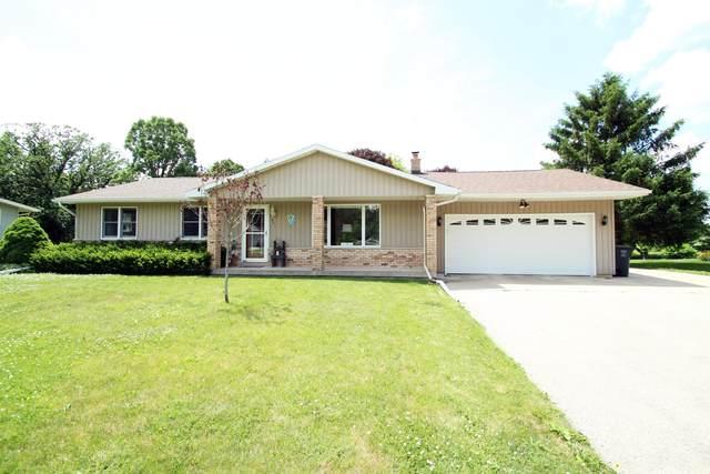 521 Topeka Dr, Lake Mills, WI 53551 (#1689601) :: NextHome Prime Real Estate