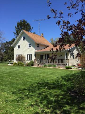 W3332 4th St, Troy, WI 53120 (#1690059) :: RE/MAX Service First Service First Pros