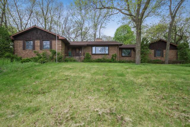 2138 Heather Dr, Lyons, WI 53147 (#1690111) :: RE/MAX Service First Service First Pros