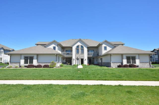 N161W19112 Oakland Dr #8, Jackson, WI 53037 (#1690790) :: RE/MAX Service First Service First Pros