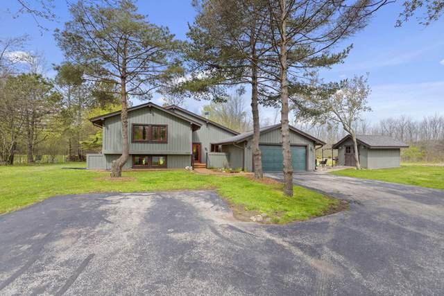 11547 N Laguna Dr, Mequon, WI 53092 (#1690840) :: OneTrust Real Estate