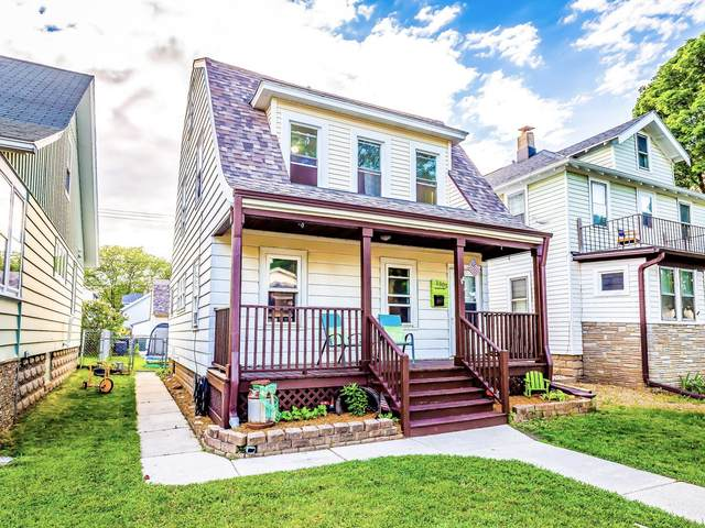 1305 S 74th St, West Allis, WI 53214 (#1692065) :: RE/MAX Service First Service First Pros