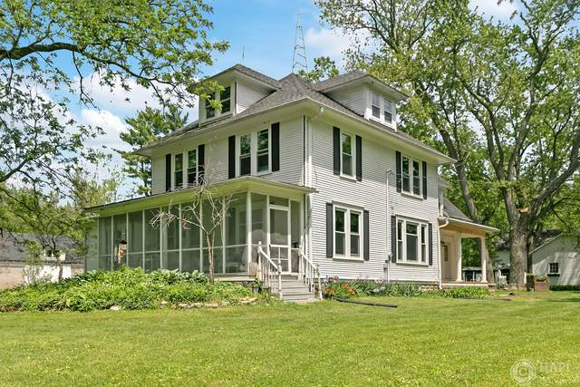 715 S Cox Rd, Dover, WI 53139 (#1692201) :: RE/MAX Service First Service First Pros
