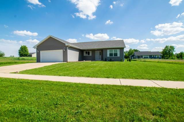 115 Pine Tree Ln, Darien, WI 53114 (#1692358) :: RE/MAX Service First Service First Pros