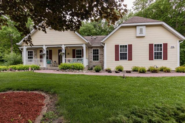 W242N7285 Ridgewood Rd, Sussex, WI 53089 (#1693111) :: OneTrust Real Estate