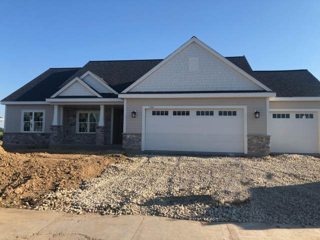 1066 Mullberry Ln, Grafton, WI 53024 (#1694197) :: RE/MAX Service First Service First Pros