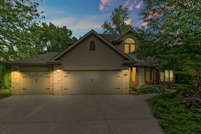 909 97th St, Pleasant Prairie, WI 53158 (#1695620) :: NextHome Prime Real Estate