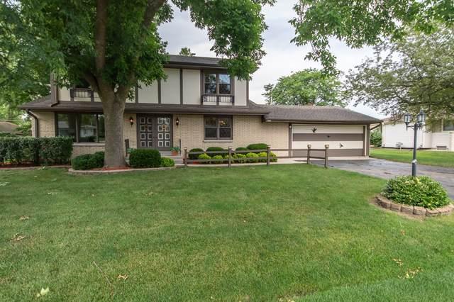 7002 W Chapman Ave, Greenfield, WI 53220 (#1696349) :: Keller Williams Realty - Milwaukee Southwest