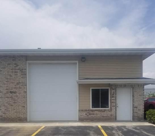 1240 Lang St #2, West Bend, WI 53090 (#1696383) :: OneTrust Real Estate