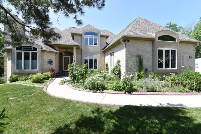W143N5270 St Andrews Ct, Menomonee Falls, WI 53051 (#1696508) :: RE/MAX Service First Service First Pros