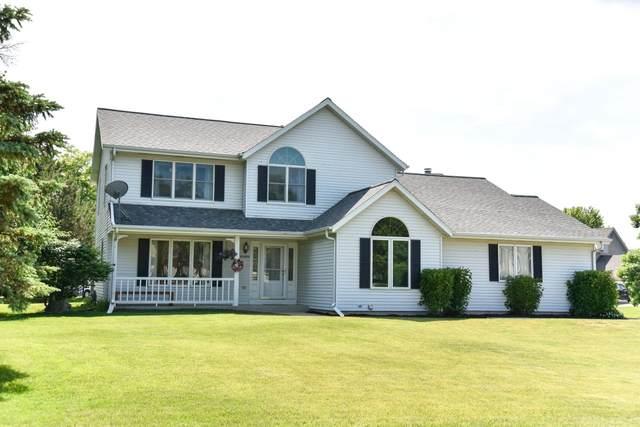 W161N10571 Old Farm Rd, Germantown, WI 53022 (#1696872) :: Keller Williams Realty - Milwaukee Southwest