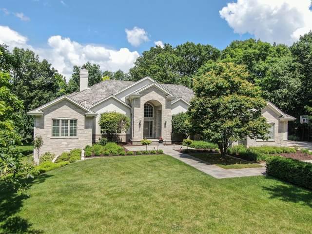 W305N2974 Red Oak Ct, Delafield, WI 53072 (#1696975) :: NextHome Prime Real Estate