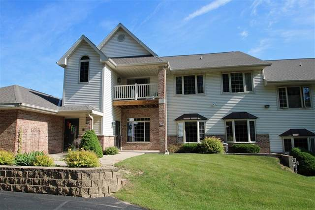 853 Cheyenne Dr G, Grafton, WI 53024 (#1697355) :: RE/MAX Service First Service First Pros
