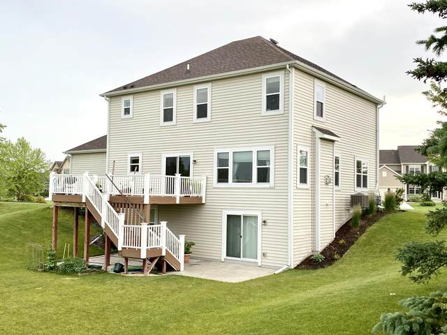 N43W22727 Victoria St, Pewaukee, WI 53072 (#1697861) :: OneTrust Real Estate