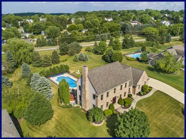 910 River Reserve Dr, Hartland, WI 53029 (#1698171) :: OneTrust Real Estate
