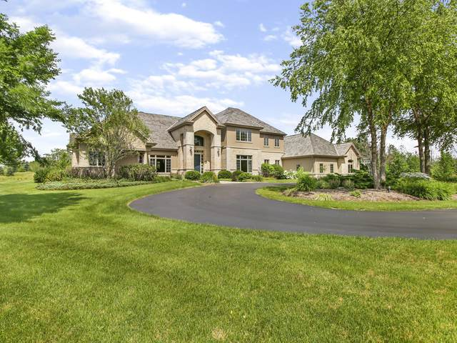 13808 N Martin Way, Mequon, WI 53097 (#1698659) :: NextHome Prime Real Estate