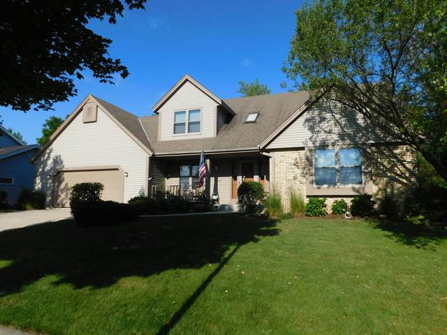 1555 Arapaho Ave, Grafton, WI 53024 (#1698710) :: OneTrust Real Estate
