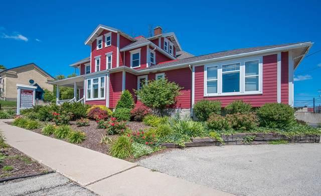 530 Walnut St, West Bend, WI 53095 (#1700884) :: OneTrust Real Estate