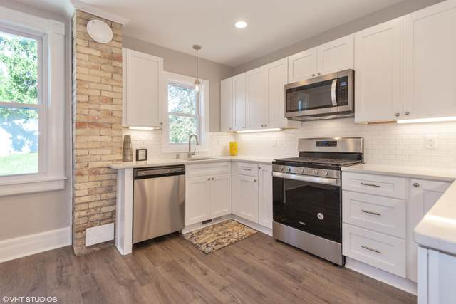 509 N Harrison St, Port Washington, WI 53074 (#1701283) :: Tom Didier Real Estate Team