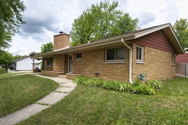 304 Richard St, Waukesha, WI 53189 (#1702161) :: OneTrust Real Estate
