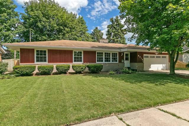 8015 49th Ave, Kenosha, WI 53142 (#1702671) :: Keller Williams Realty - Milwaukee Southwest