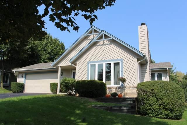 1606 Erin Ln, Waukesha, WI 53188 (#1706010) :: OneTrust Real Estate