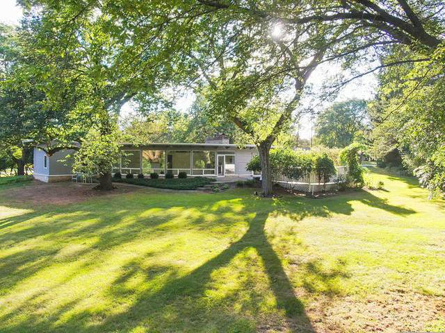 11400 N Mulberry Dr, Mequon, WI 53092 (#1708130) :: RE/MAX Service First Service First Pros