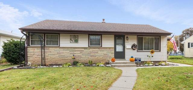 2892 S 93rd St, West Allis, WI 53227 (#1709162) :: RE/MAX Service First