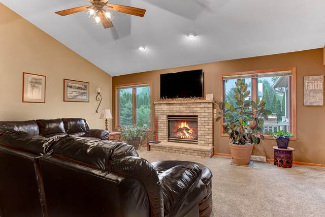 1623 Hedgestone Ln, Howards Grove, WI 53083 (#1709301) :: OneTrust Real Estate