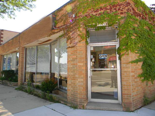 2272 N 72nd St, Wauwatosa, WI 53213 (#1709756) :: OneTrust Real Estate