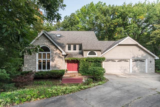 885 Satinwood Ct, Brookfield, WI 53005 (#1710076) :: OneTrust Real Estate