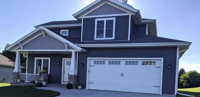 447 Western Ct, West Bend, WI 53095 (#1711339) :: RE/MAX Service First Service First Pros