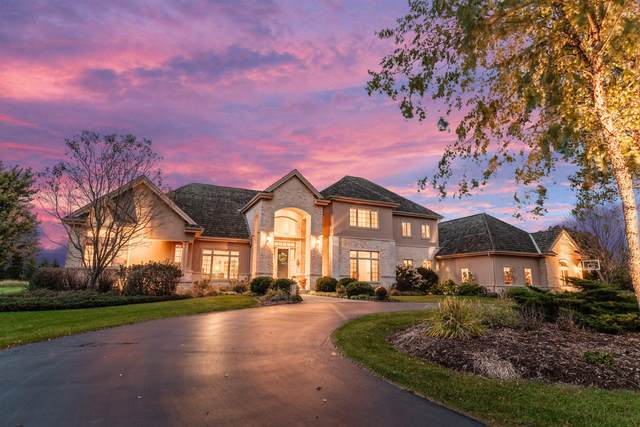 13808 N Martin Way, Mequon, WI 53097 (#1712675) :: OneTrust Real Estate
