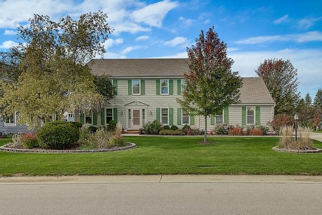 14340 W Fieldpointe Dr, New Berlin, WI 53151 (#1713882) :: RE/MAX Service First Service First Pros