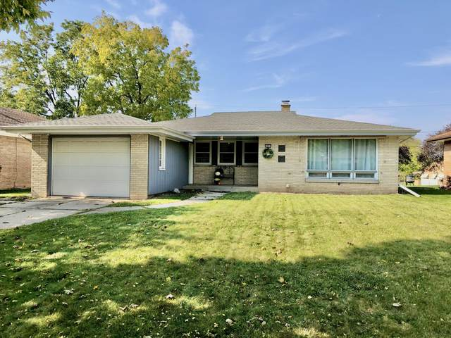2827 S 72nd St, West Allis, WI 53219 (#1713935) :: OneTrust Real Estate