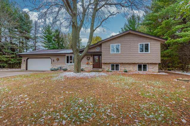 6165 Marshview Ct, Addison, WI 53027 (#1715584) :: OneTrust Real Estate