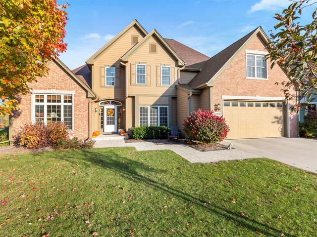 1074 Canary Ct, Grafton, WI 53024 (#1715729) :: Tom Didier Real Estate Team