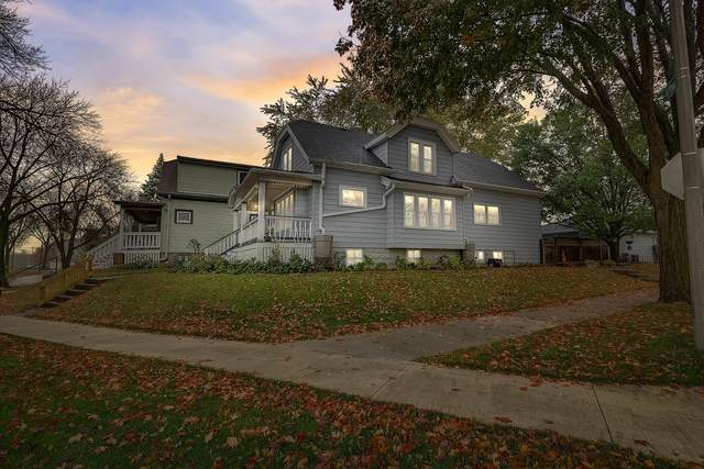 2501 S Chase Ave, Milwaukee, WI 53207 (#1716173) :: RE/MAX Service First