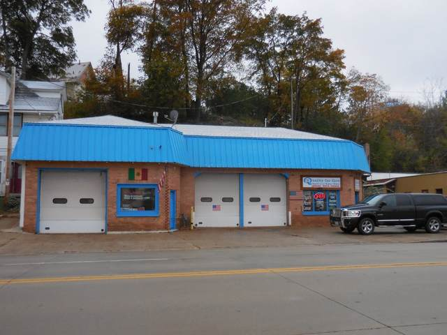 444 N Main St, West Bend, WI 53090 (#1716339) :: OneTrust Real Estate