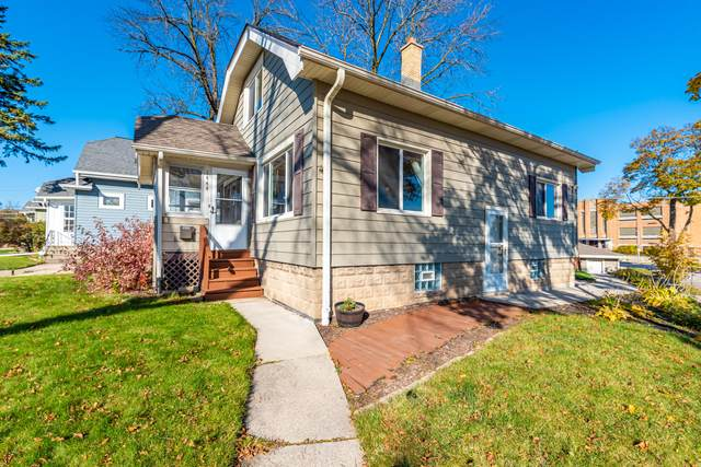 1444 S 94th St, West Allis, WI 53214 (#1716415) :: RE/MAX Service First Service First Pros