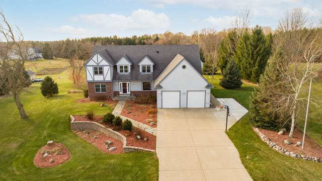 W276N9311 Red Wing Rd, Lisbon, WI 53029 (#1719555) :: OneTrust Real Estate