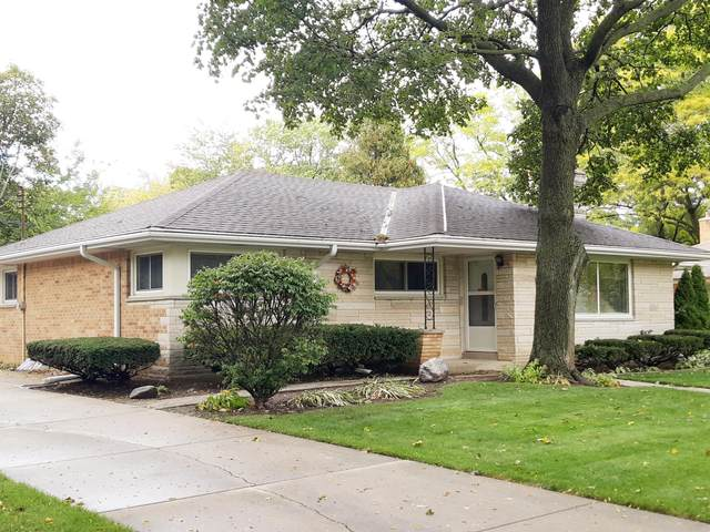 2043 N 122nd St, Wauwatosa, WI 53226 (#1719557) :: OneTrust Real Estate