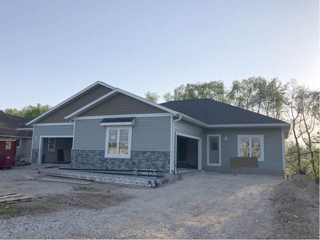 747 Wright Ct, Hartford, WI 53027 (#1720425) :: RE/MAX Service First