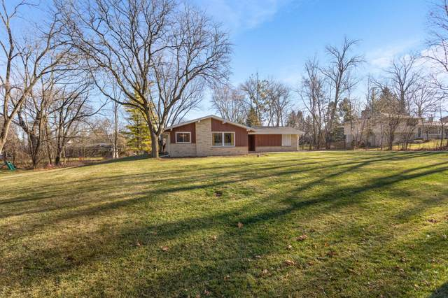 3500 Hollywood Ln, Brookfield, WI 53045 (#1720890) :: RE/MAX Service First