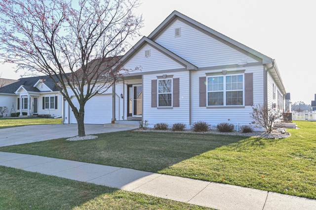1315 E Pinecrest Ln, Elkhorn, WI 53121 (#1721910) :: RE/MAX Service First