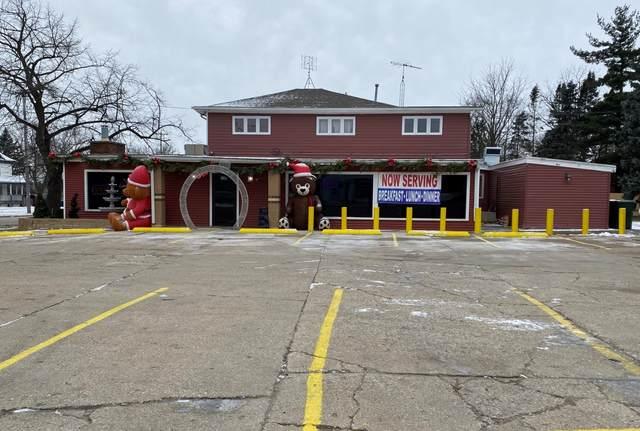 10 N Walworth St, Darien, WI 53114 (#1722935) :: Tom Didier Real Estate Team