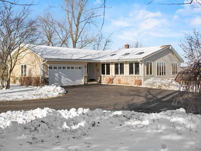 18300 W Lawnsdale Rd, New Berlin, WI 53146 (#1723359) :: RE/MAX Service First
